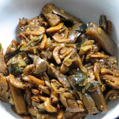 Brinjal Dried Shrimp Mezhkkupuratti