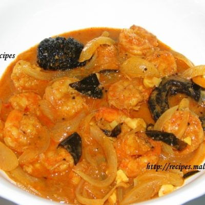 Simple Prawns Curry (Kerala Chemmeen Curry)